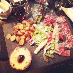 Camembert em Paris – Andrea Costa