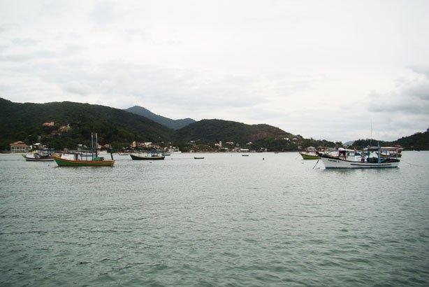 Cidade de Porto Belo vista do mar
