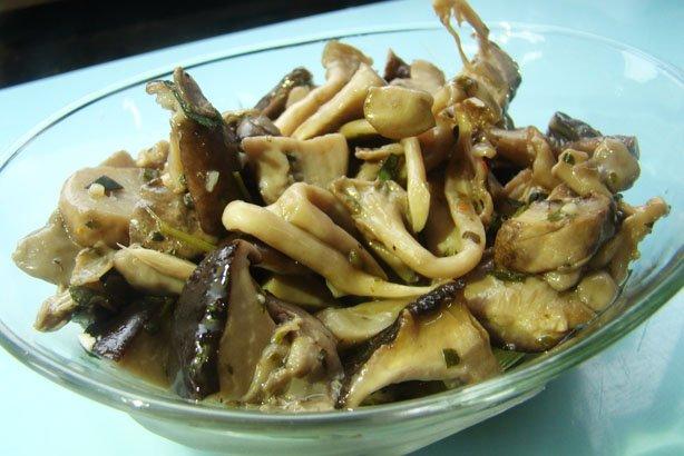 Cogumelos no azeite