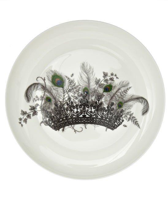 coroa e pena de pavão