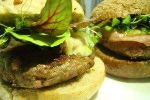 Dia do Hambúrguer – Hambúrguer com Blumenau