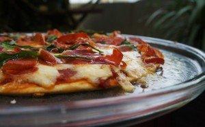 Pizza de Jamon Serrano e Gorgonzola