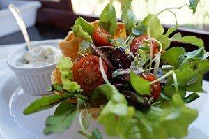 Salada de Favas com Molho Cremoso
