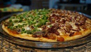 Pizza de Carne-de-sol com Pinhão/Cogumelos, Ervilha e Aspargos