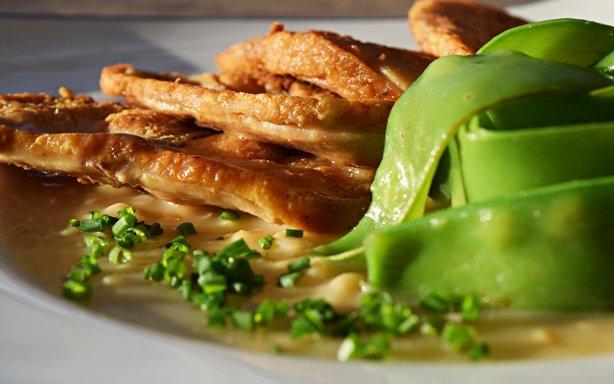 Peito de frango com Veloute de milho 1