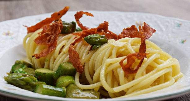 Espaguete com aspargos 1