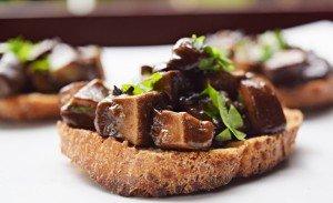 Crostini di Porcini – Crostini de Cogumelos