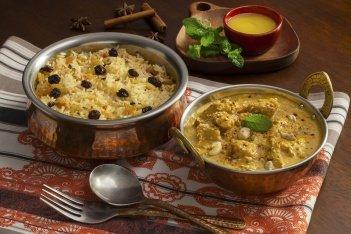 Malai Chicken - Suculentos pedaços de frango temperados com ervas finas, requeijão, iogurte e champignons, combinados com temperos indianos em molho de creme de leite.