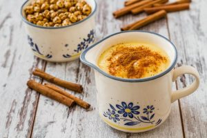 Bebidas turcas para esquentar ou esfriar os ânimos durante o ano todo