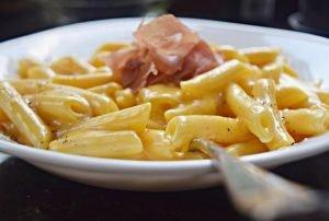 Mac and Cheese (Macarrão e Queijo) fácil