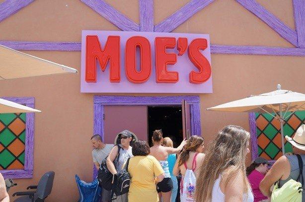 Universal - Moes