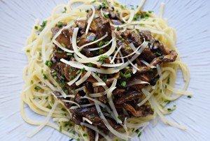 Espaguete com Tiras de Mignon e Cogumelos