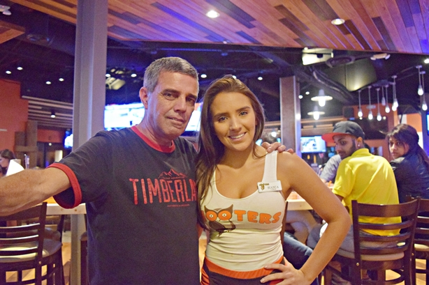 Hooters 5
