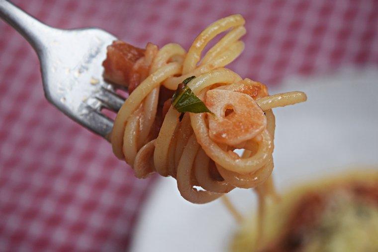 espaguete-com-tomates-frescos-2