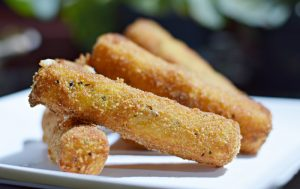 Fried Mozzarella Cheese Sticks – Palitos Fritos de Muçarela