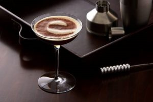 Stolichnaya ensina a preparar drinks com café
